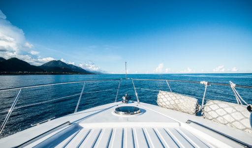 微光會館-豪華遊艇-甲板